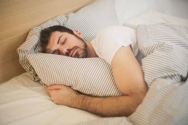 How To Sleep On Your Side With Broad Shoulders Sleeping Report